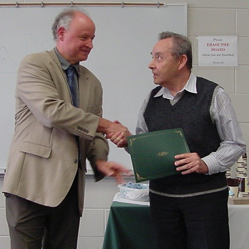 [photo of V Zelevinsky receiving 2015 Favorite Grad Teacher Award]