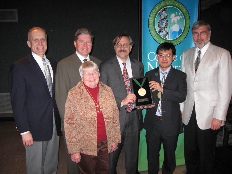 Provost Kim Wilcox, Chairman Wolfgang Bauer, Randy Cowen, the donor of the Chair, Chih-Wei Lai, the holder of the chair, Dean Jim Kirkpatrick; in the front Elaine Cowen, Jerry Cowen's widow